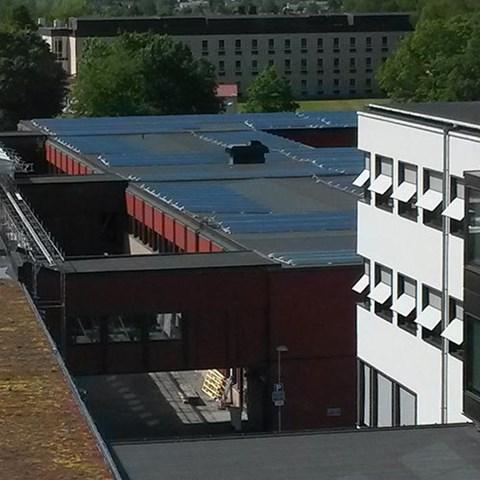 Helikopter lyfter solceller på plats på Ultuna ... 47c551e489cea